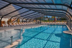Camping Ker Yaoulet : piscine couverte
